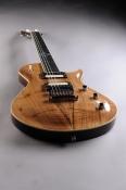 brutal-existo-walnut-top-gitarspele-lv-1
