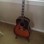 Pirms 52 gadiem nozagtā Džona Lenona ģitāra atrodas Sandjēgo