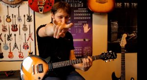 eduards-aksjonenko-gitarspeles-nodarbibas