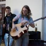 Ģitārists Reinis Jaunais ar koncertiem priecēja  Jaunzēlandē dzīvojošos latviešus