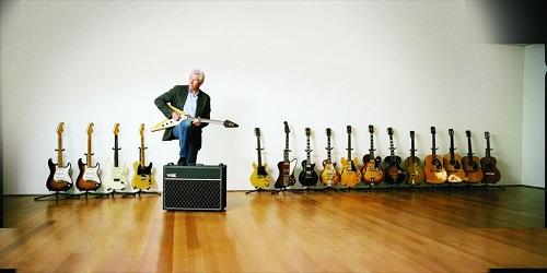 Ričards-Gīrs-ar-ģitāru-kolekciju-1024x512