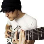 Robs Skalons (Rob Scallon) – mūziķis internetā